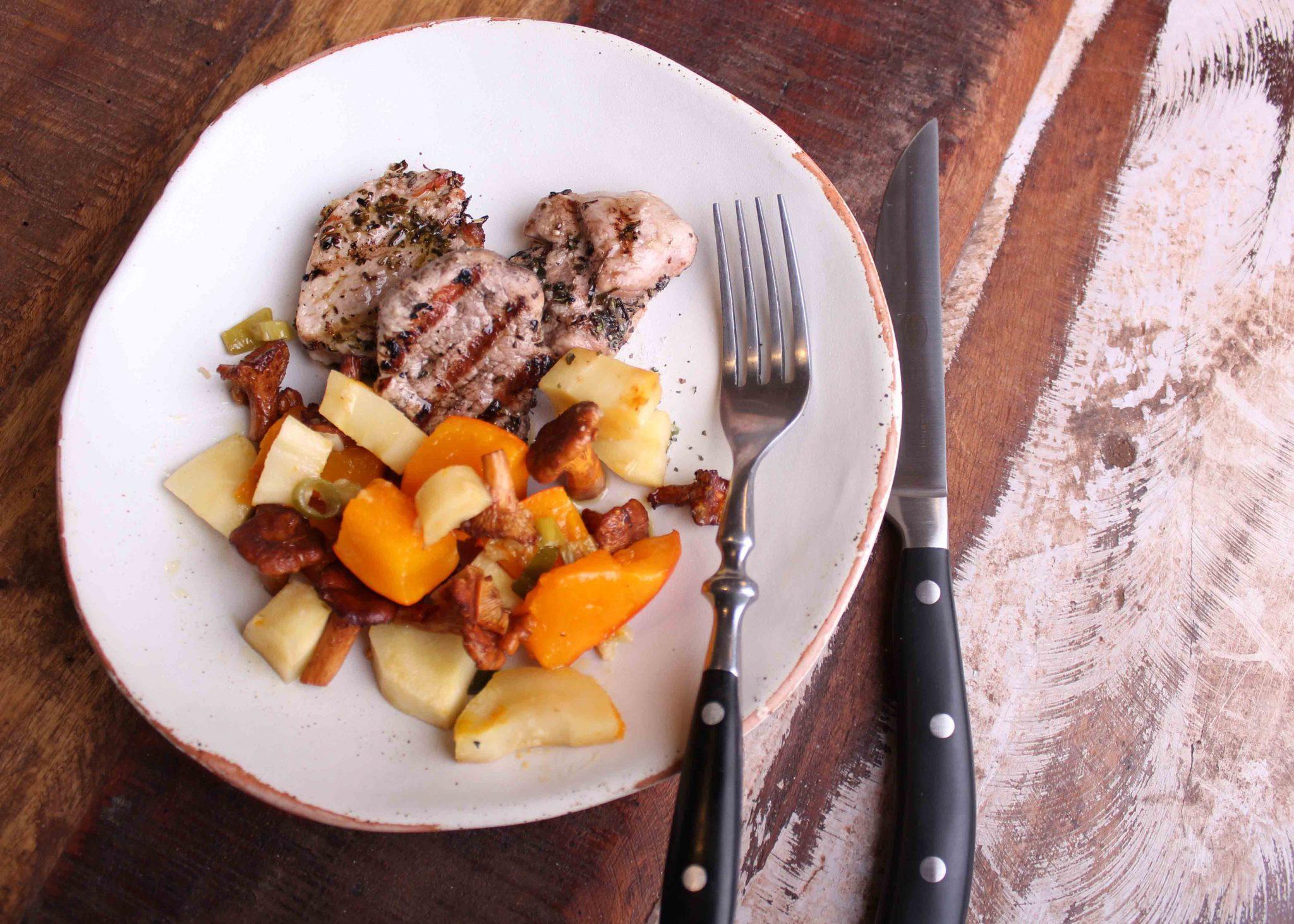 Buntes Ofengemüse mit Schweinefilet vom Grill