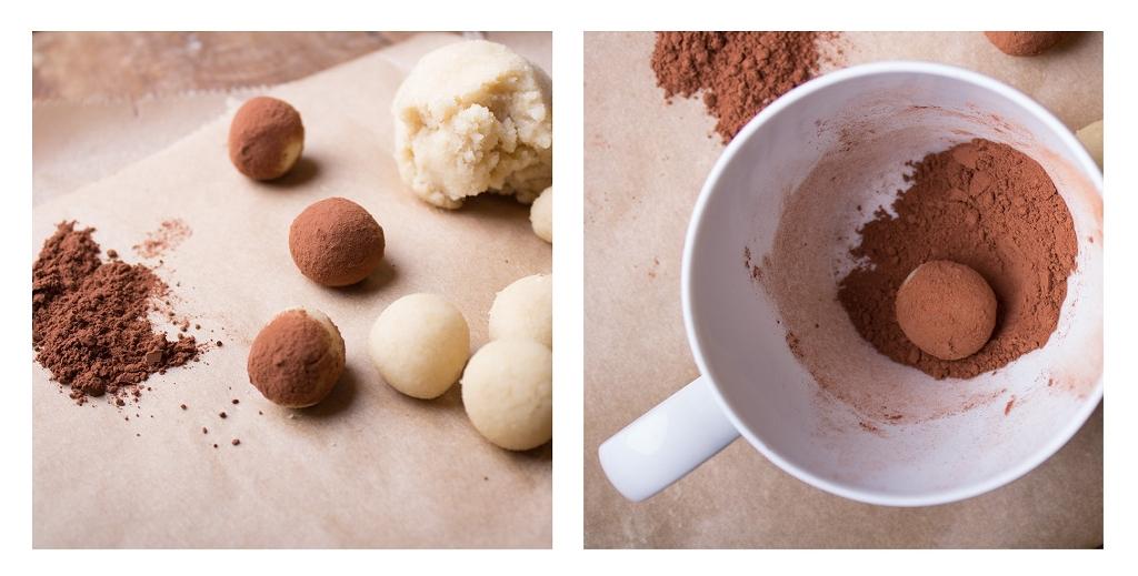 Aus Marzipanteig Kugeln formen und in Kakao wälzen