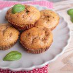 Low Carb Spargel Muffins auf einem Teller angerichtet