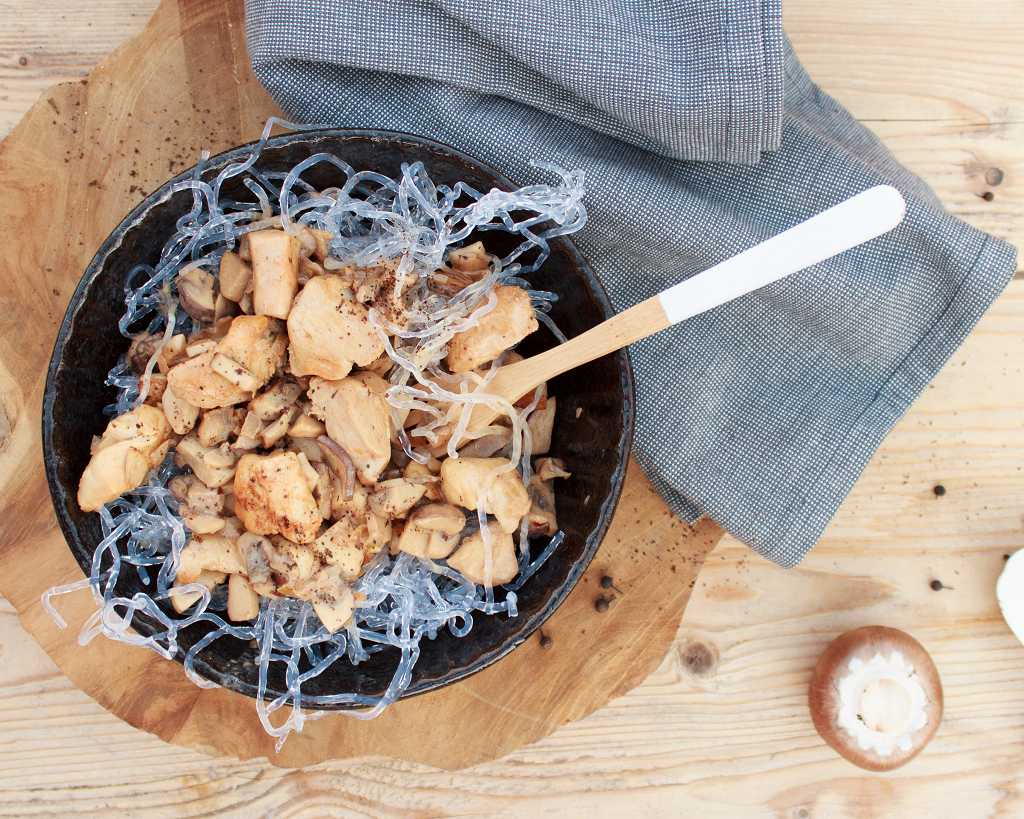 Low Carb Spaghetti fuer die Ernaehrung ohne Kohlenyhdrate