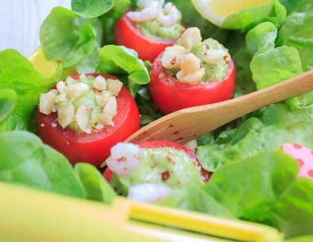 Gefüllte Tomaten mit Guacamole